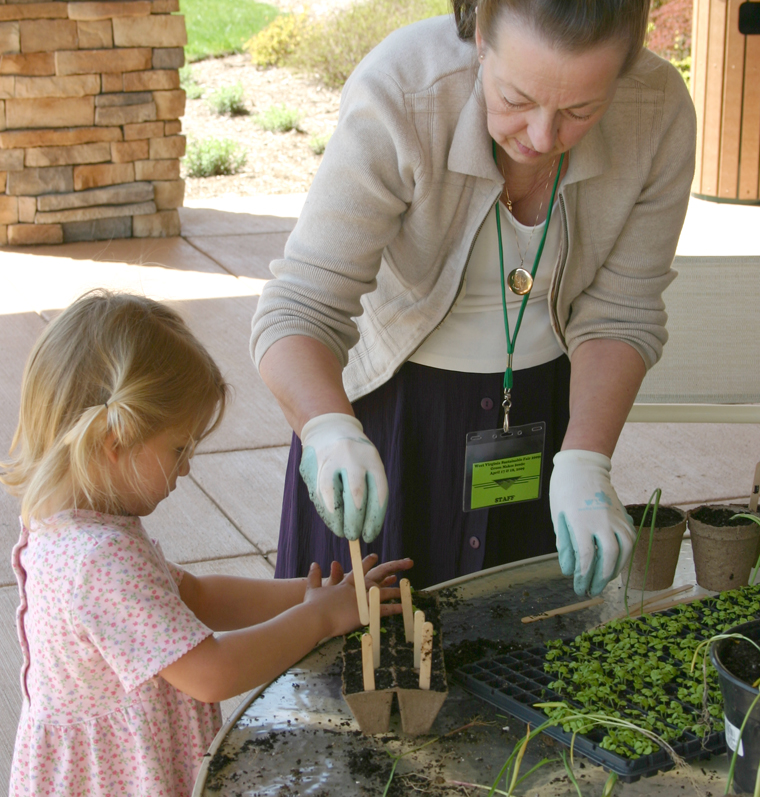 2009 Children's Gardening Workshop hosted by Eve Von Deck